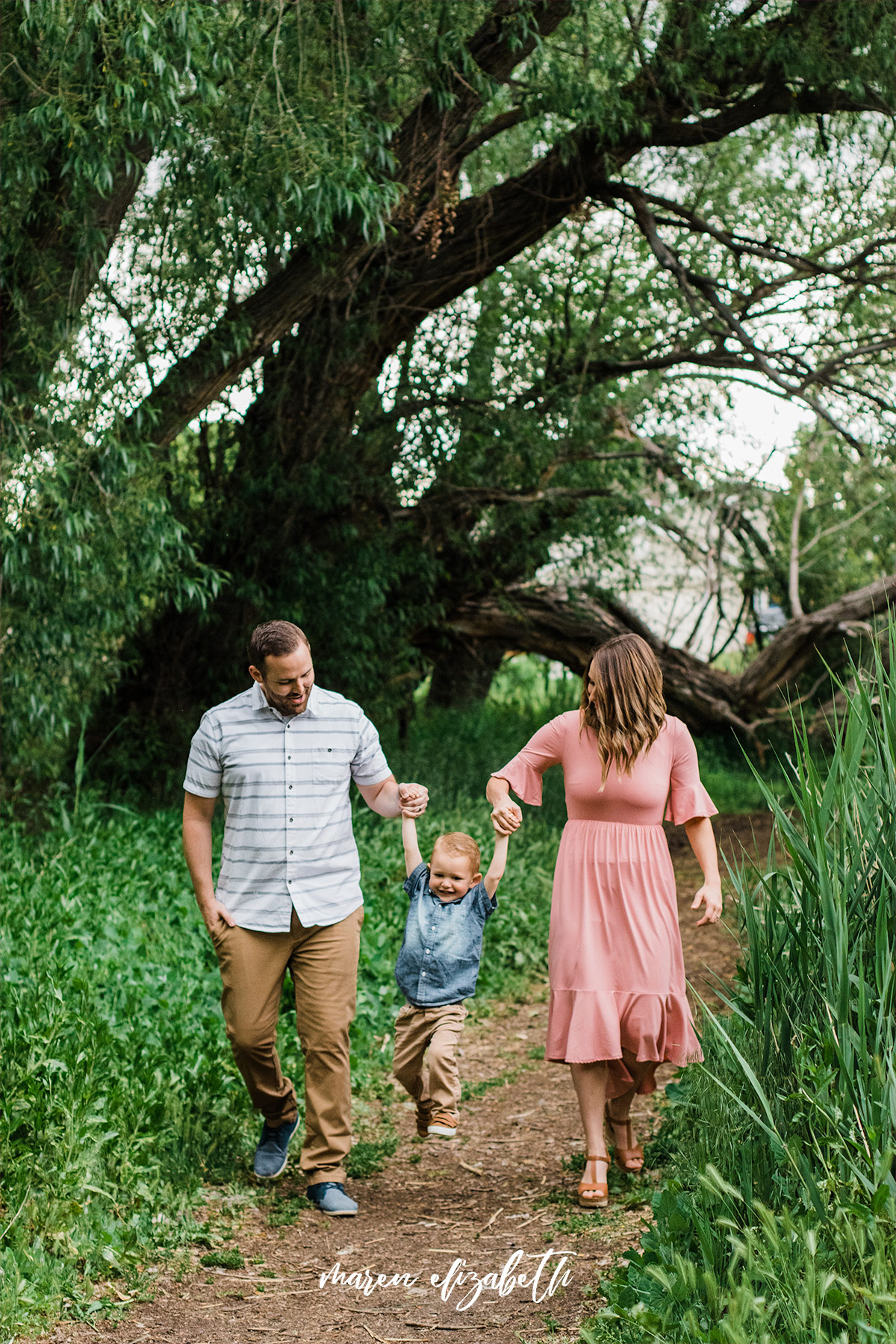 Loch Lomond Pond located in Saratoga Springs, UT is one of my go to spots for family pictures. Plus tips for taking pictures, especially with toddlers.